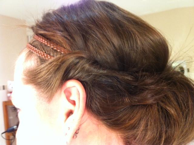 Frisuren mit haarband gummi