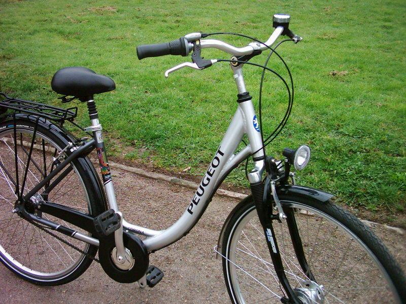 peugeot corona sch nes 28 zoll alu touren fahrrad citybike. Black Bedroom Furniture Sets. Home Design Ideas