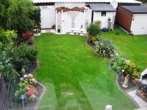 Kleinen reihenhausgarten kindgerecht gestalten mein for Kleingarten gestalten ideen