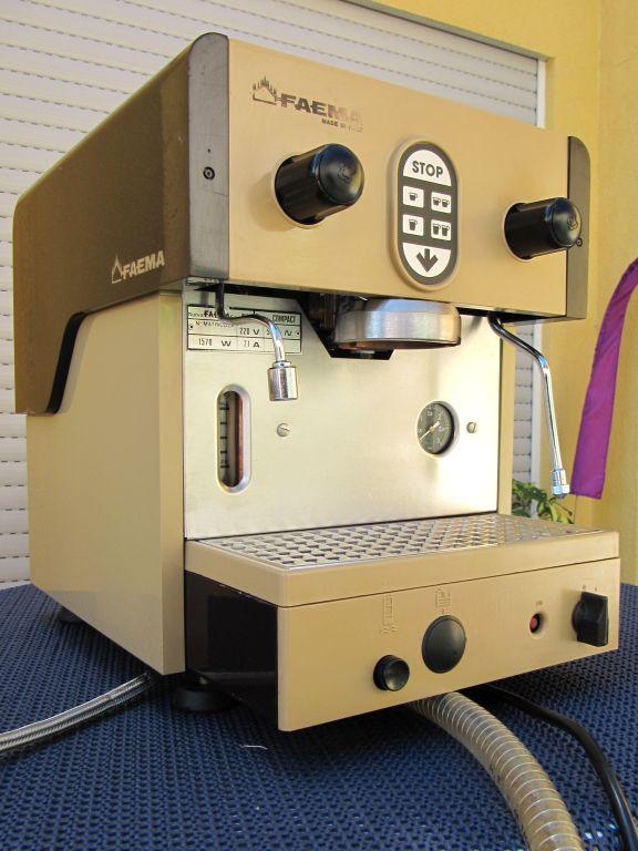 faema compact ventil leckt und pumpe schaltet sich nicht ab kaffee netz die community. Black Bedroom Furniture Sets. Home Design Ideas