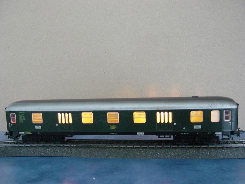 D-Zug-Gepäckwagen mit Schlußlichter (Art.Nr.4044) 10480836uq