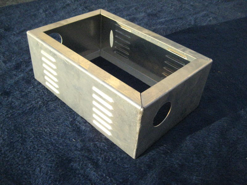 das offroad forum land rover defender cubbybox unterbau. Black Bedroom Furniture Sets. Home Design Ideas