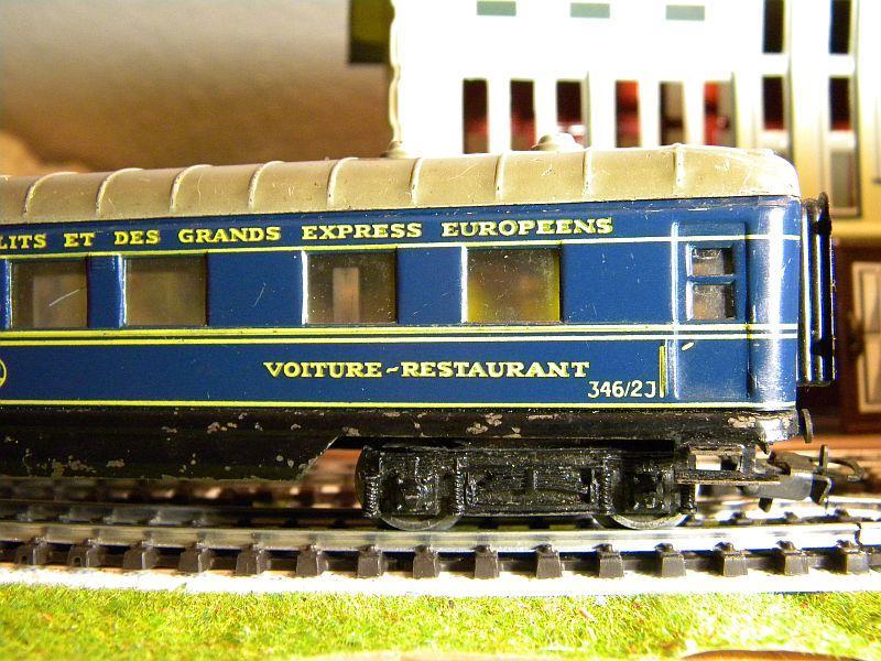 Speisewagen (Schürzenwagen), dunkelblau: Märklin-Nummer 346/2J bzw. 4009 10715396ve