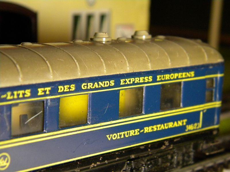 Speisewagen (Schürzenwagen), dunkelblau: Märklin-Nummer 346/2J bzw. 4009 10715401fg