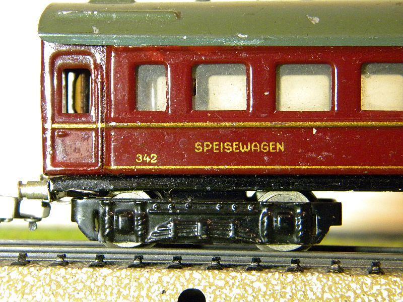 """Speisewagen """"MITROPA"""", weinrot; Märklin-Nummer 342-3 (1937) 10737547qv"""