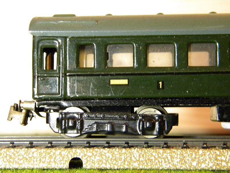 D-Zug-Wagen 1. und 2. Klasse, grün; Märklin-Nummer 341-4 (1938/1939) 10764322re