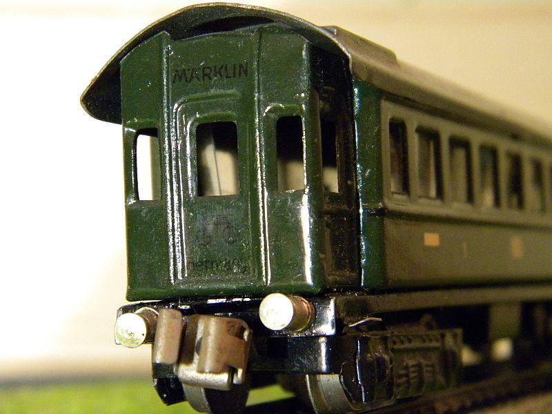 D-Zug-Wagen 1. und 2. Klasse, grün; Märklin-Nummer 341-4 (1938/1939) 10764324na