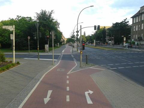 Linksabbiegen auf dem Radweg - nicht möglich
