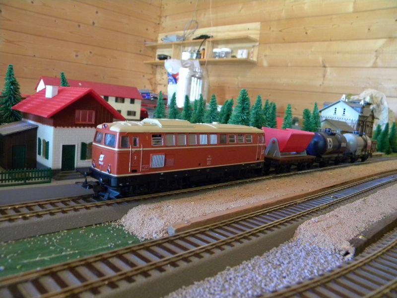 Gemischter Güterzug unterwegs im Innviertel 11398365hp
