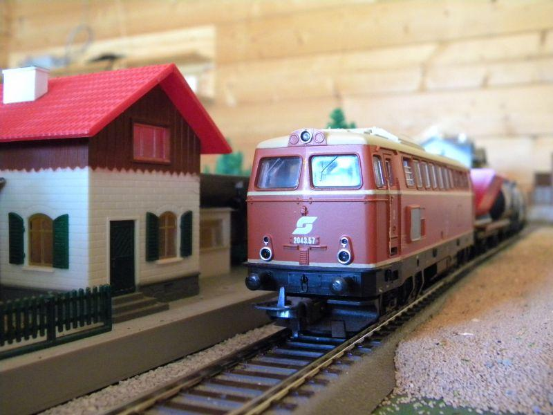 Gemischter Güterzug unterwegs im Innviertel 11398366dp