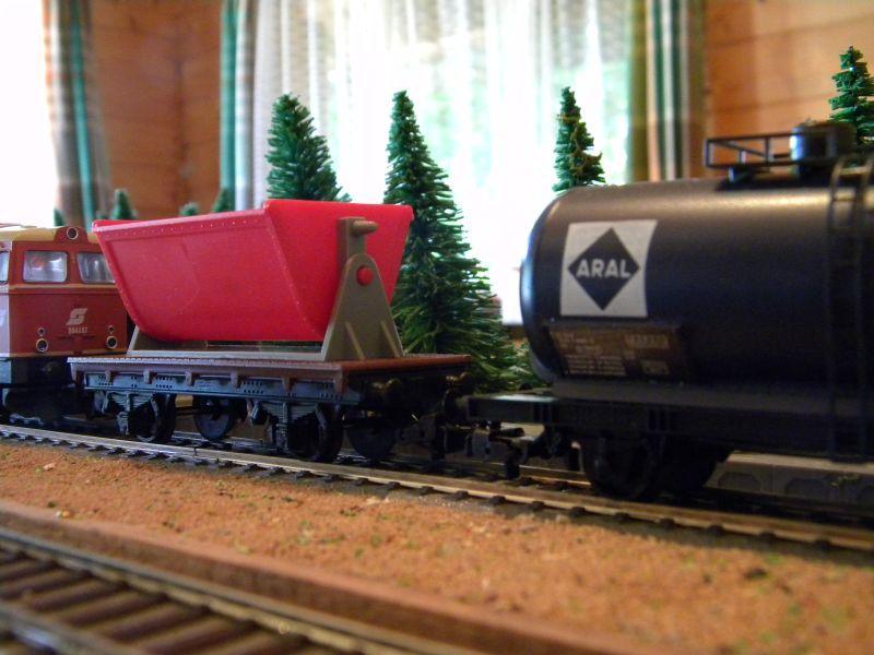 Gemischter Güterzug unterwegs im Innviertel 11398375jx