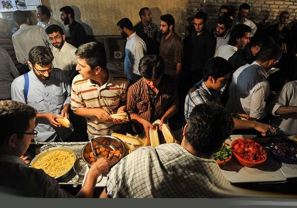 گیف خوردن ماه رمضان در کرمانشاه.