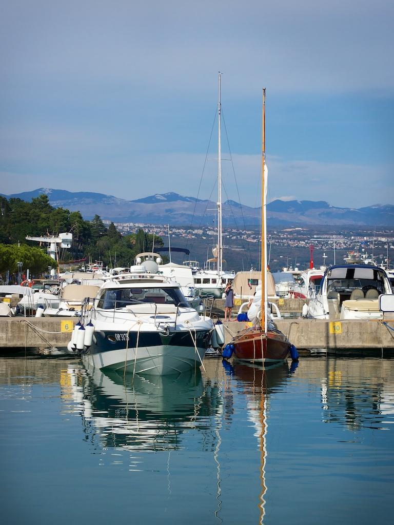 anlegen in marina mit 20 39 fu boot kroatien mittelmeer segeln forum. Black Bedroom Furniture Sets. Home Design Ideas