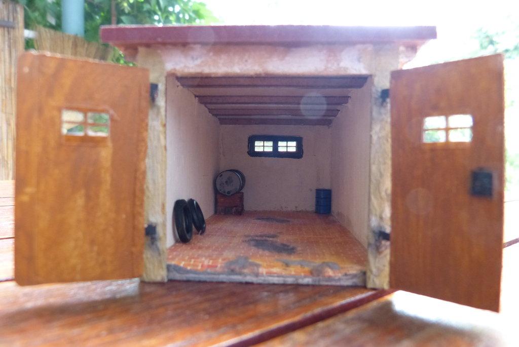 Inneneinrichtung f r die snm garage anlagenbau 2 for Magazin inneneinrichtung