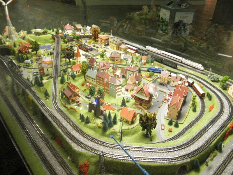 Trix Anlage im Bahnhof Altona 11685145hh
