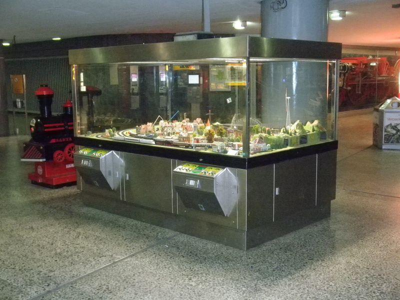 Trix Anlage im Bahnhof Altona 11685159kt