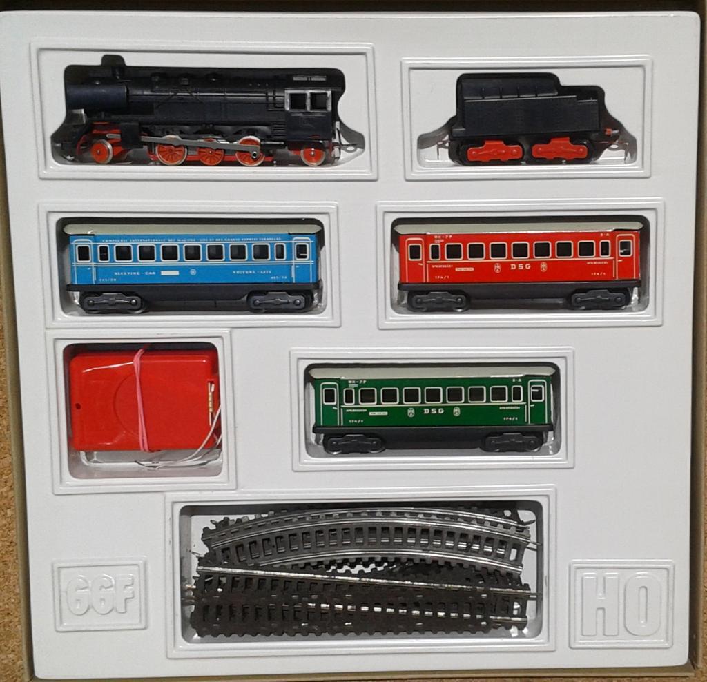 Grötsch Zugpackung aus den 1970er Jahren 11744857gs