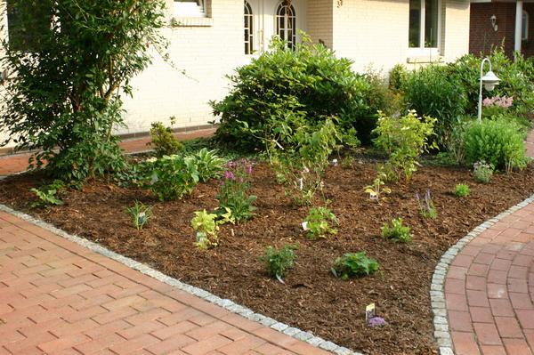 vorgartengestaltung mit rindenmulch – rekem, Garten und Bauen