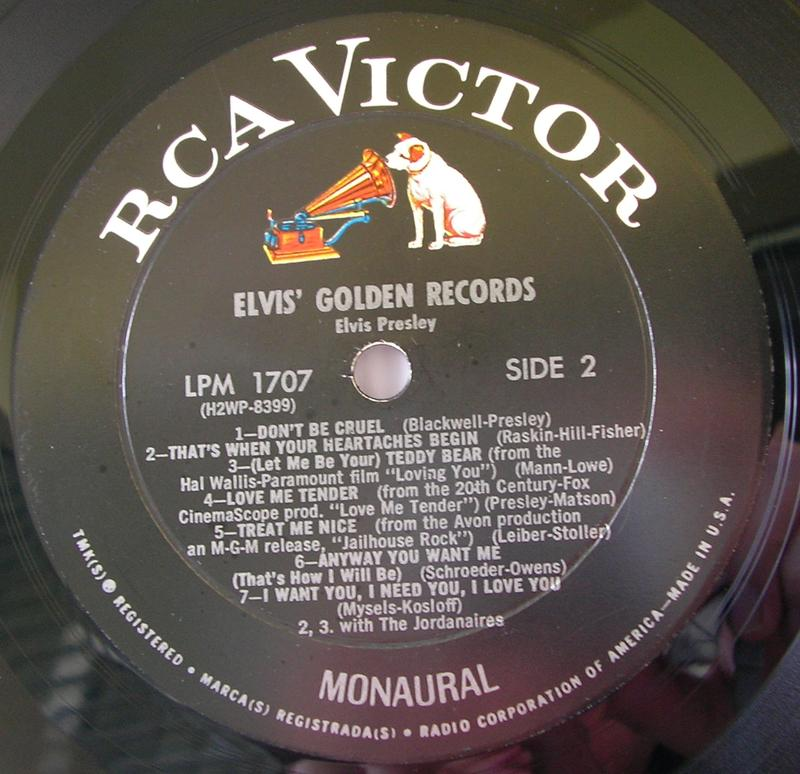 ELVIS' GOLD RECORDS  12918421uw
