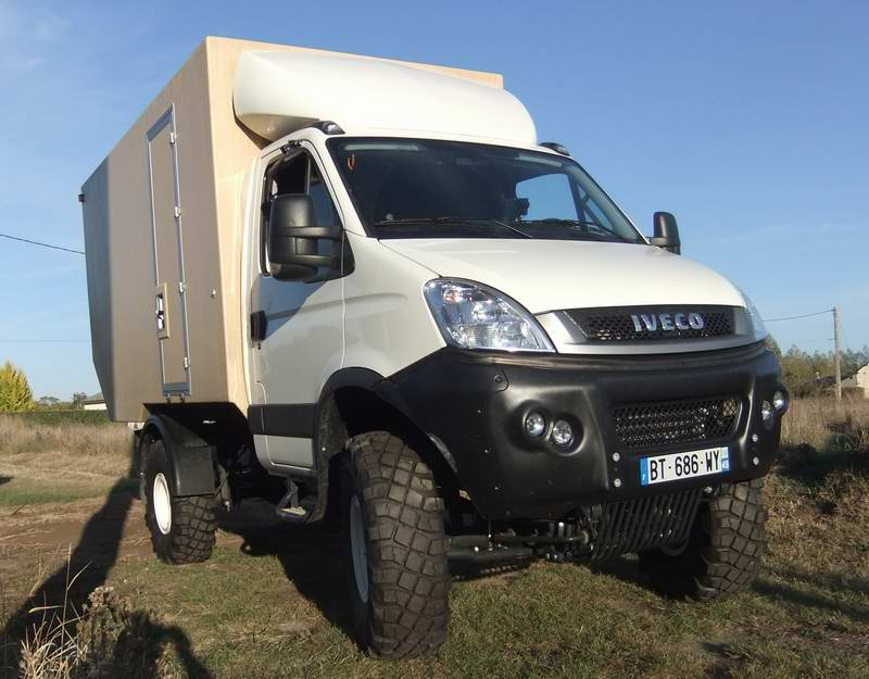 iveco scam 4x4 camping car beaumes de venise. Black Bedroom Furniture Sets. Home Design Ideas