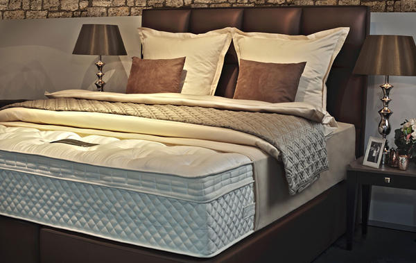 boxspringbett wer hat da erfahrungen. Black Bedroom Furniture Sets. Home Design Ideas
