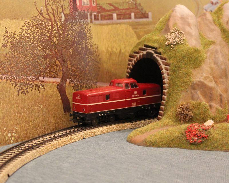 Züge bunt gemischt... 14019034yi