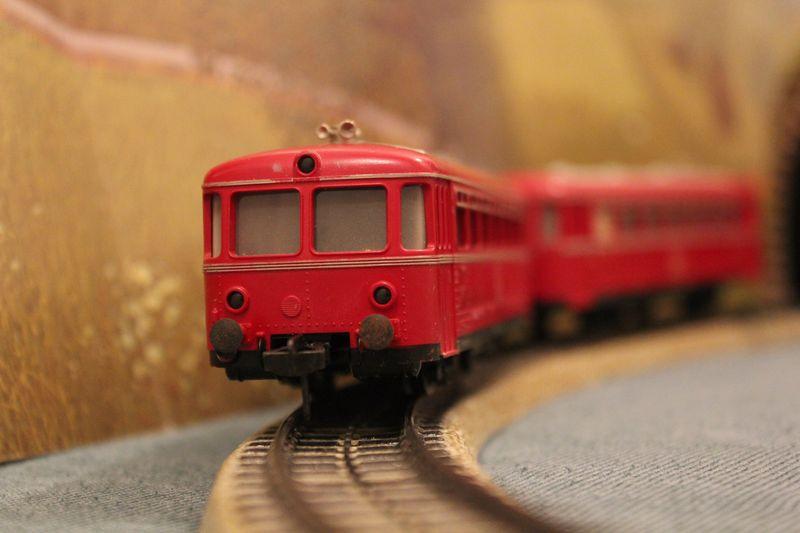 Züge bunt gemischt... 14019082hn