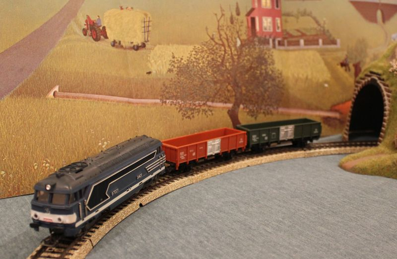 Züge bunt gemischt... 14019110iv