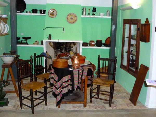alte tische und st hle seite 4 willkommen bei uns im spanien forum. Black Bedroom Furniture Sets. Home Design Ideas