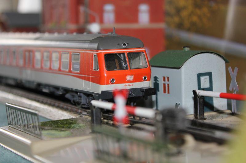 Züge bunt gemischt... 14045586qh