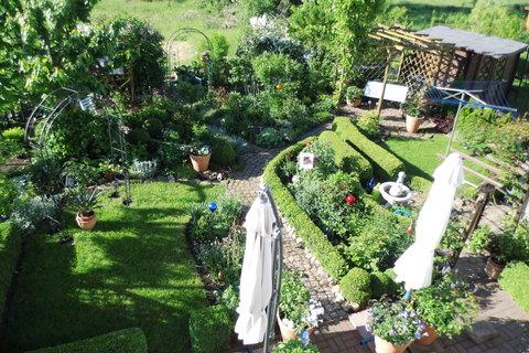 Schau Mal, Das Ist Mein Garten. Er Hat Eine ähnliche Größe Wie Deiner.