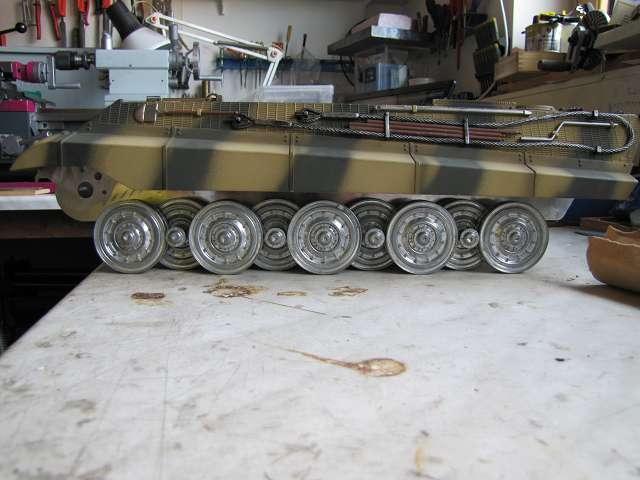 A King Tiger tank with real reduction gears, brushless motor 14758000zo