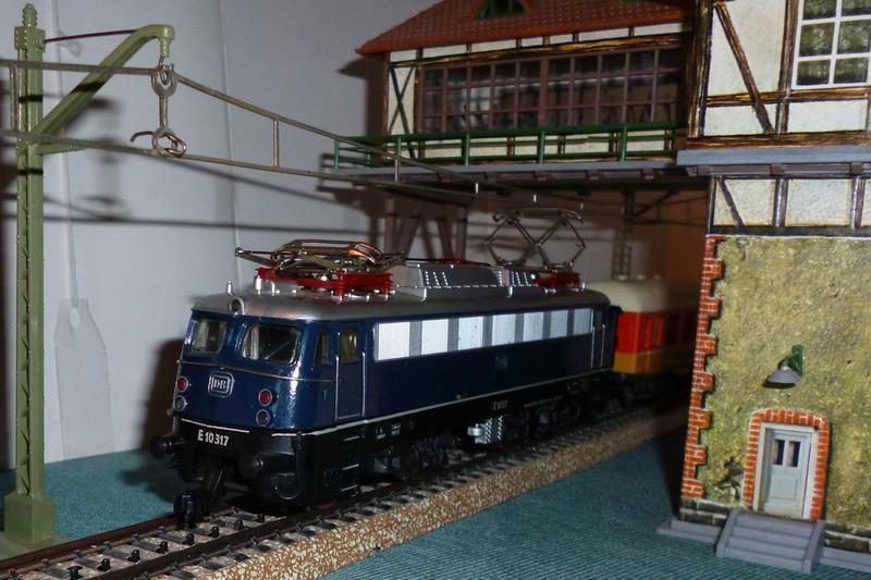 DB  E 10 317 Bügelfalte blau (Guss!) 14824088ur