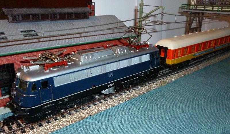 DB  E 10 317 Bügelfalte blau (Guss!) 14824089hf