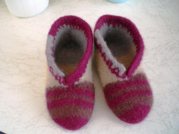 Galerie Hausschuhe Puschen Pantoffeln Clogs Junghans Wolle