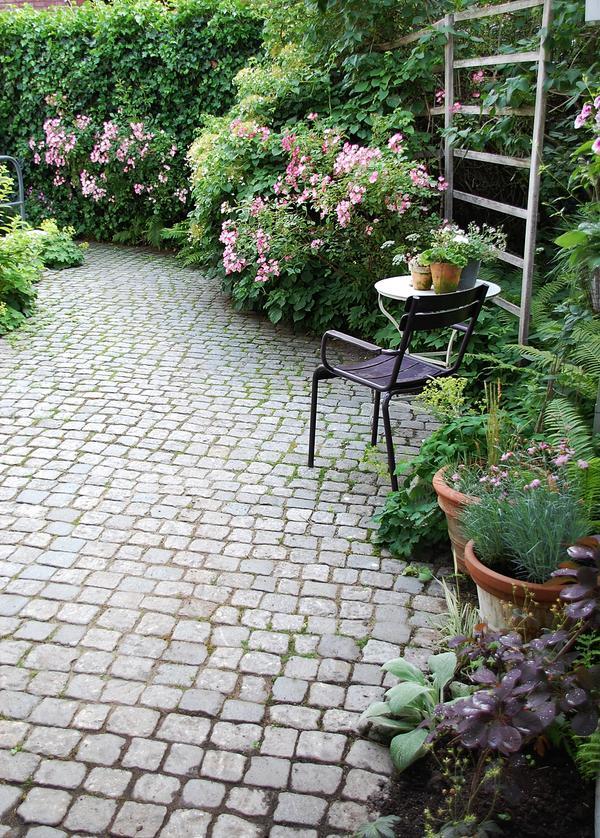 Eure gartenbilder beete gestaltungsideen traumsommer for Gartengestaltung verwunschen