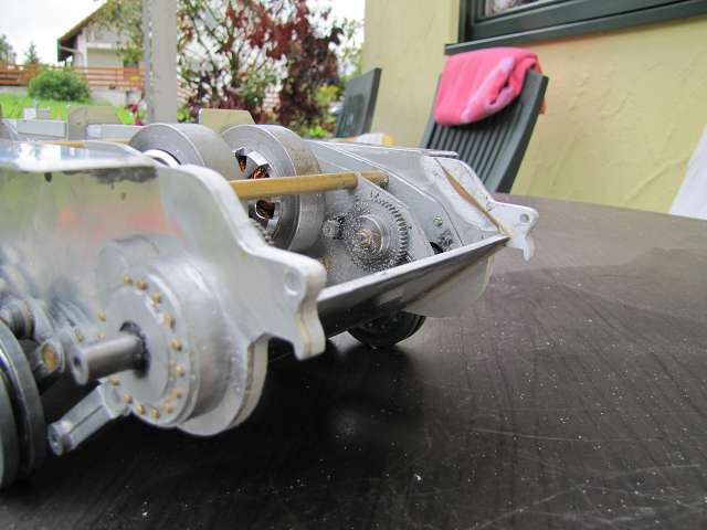 A King Tiger tank with real reduction gears, brushless motor - Pagina 3 15068736tg