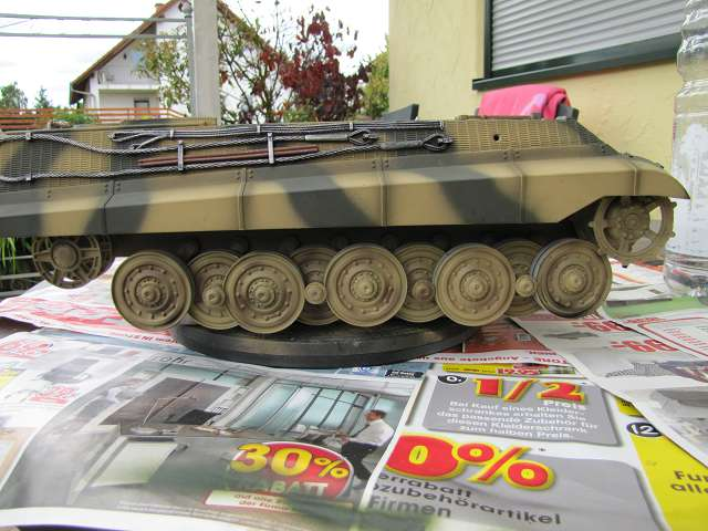 A King Tiger tank with real reduction gears, brushless motor - Pagina 3 15068745zl