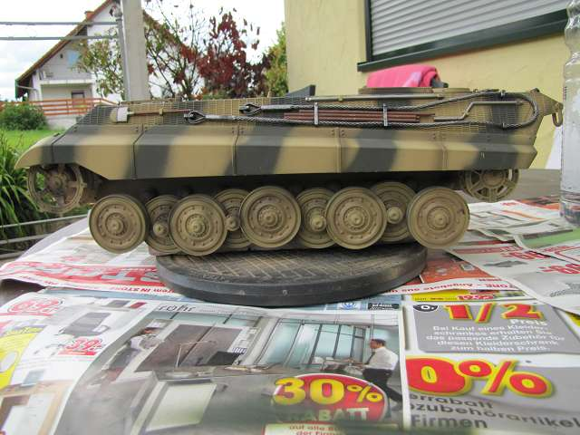 A King Tiger tank with real reduction gears, brushless motor - Pagina 3 15068746gd
