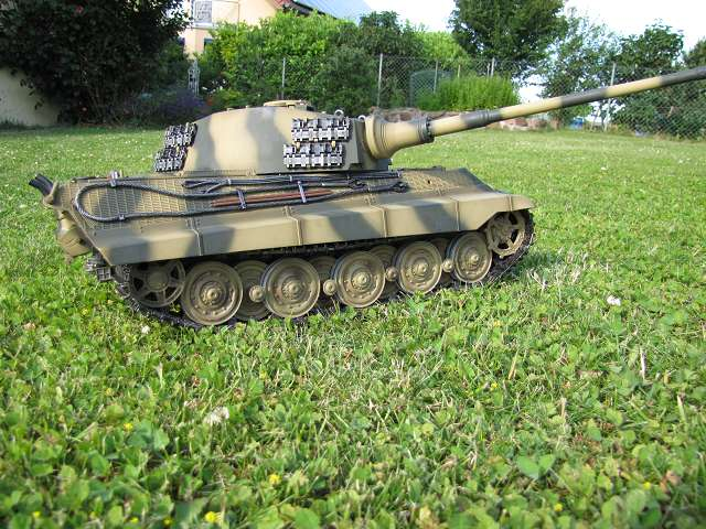 A King Tiger tank with real reduction gears, brushless motor - Pagina 3 15148408yc