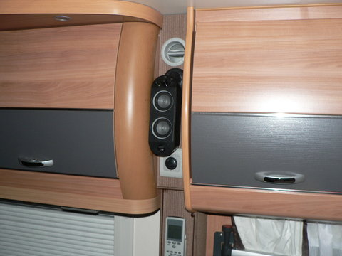 musik im wohnwagen tv hifi sat dvb t wohnwagen. Black Bedroom Furniture Sets. Home Design Ideas