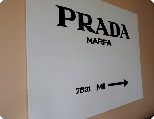 ella loves lifestyle blog prada marfa bild gossip girl. Black Bedroom Furniture Sets. Home Design Ideas