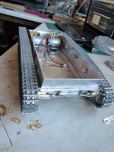 A Panzer IV tank made of aluminum and is formed with brushless motor - Pagina 2 15363279go