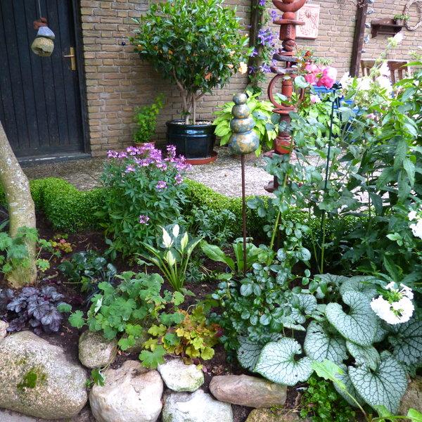 Kleines beet gestalten moderne bepflanzung bepflanzung for Kleines beet gestalten