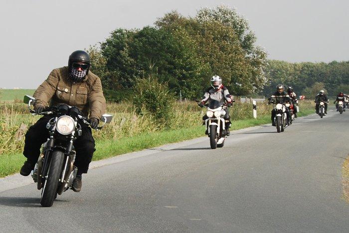 frauen motorradtreffen