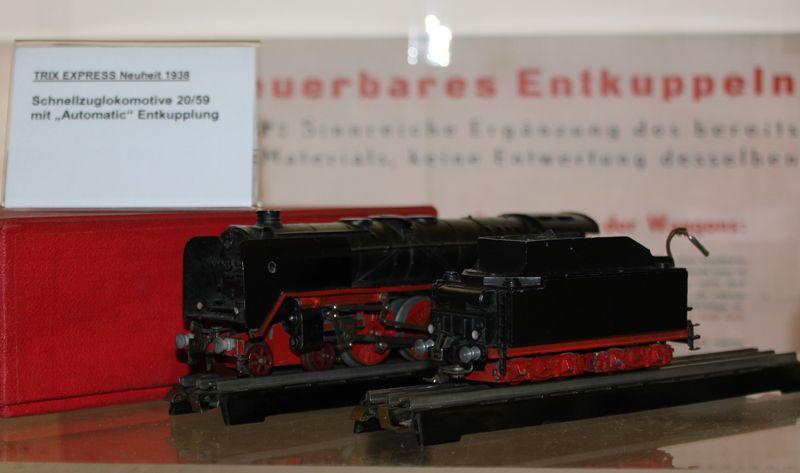 """Historische Modellbahnausstellung: 75 Jahre TRIX EXPRESS """"Automatik""""-Entkupplung 1938 16078985hc"""