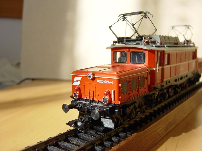ÖBB E-Lok Baureihe 1020 (MÄRKLIN Art.Nr. 33221) 16155895lg