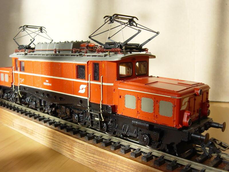 ÖBB E-Lok Baureihe 1020 (MÄRKLIN Art.Nr. 33221) 16155919jz