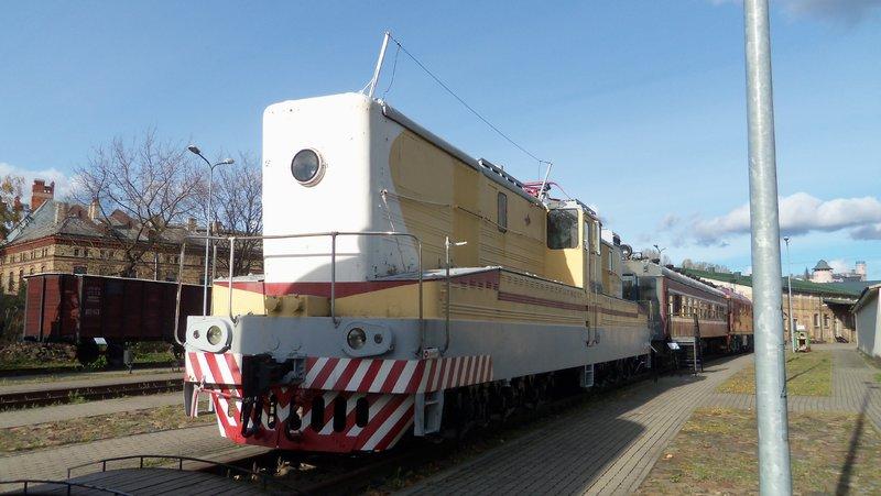 Eisenbahnbilder aus Lettland / Riga (gemischte Spurweiten) 16365229wq