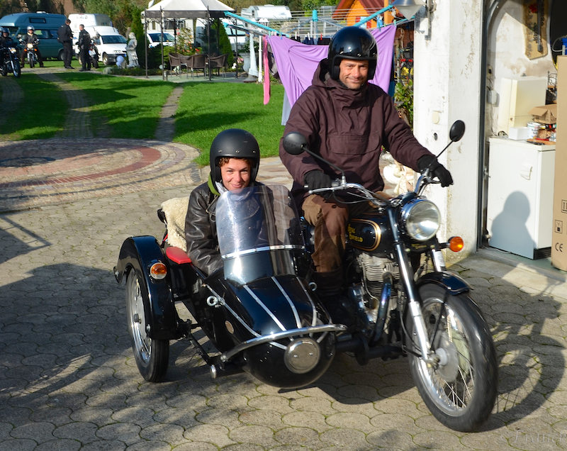 beim motorradfahren fotografieren